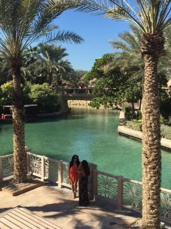 Jumeirah Al Qasr at Madinat Jumeirah: Beautiful afternoon walk