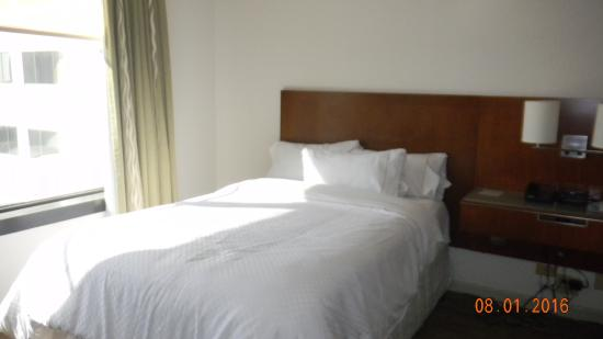 The Westin New Orleans Canal Place: Bed, comfortable and clean