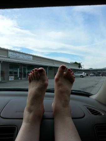 Scottsboro, AL: Feet May Need A Rest from Shopping