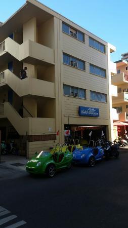 Waikiki Beachside Hostel