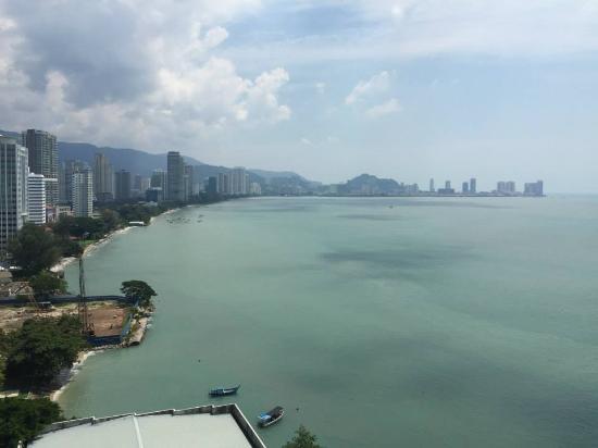 Eastern & Oriental Hotel: 陽台望出去的景色