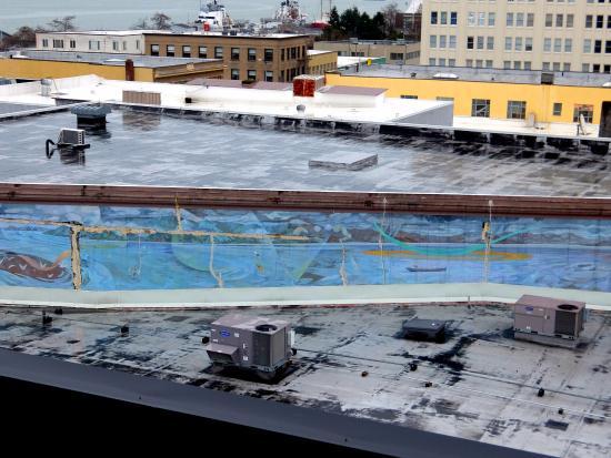 Hotel Elliott: mural from roof top