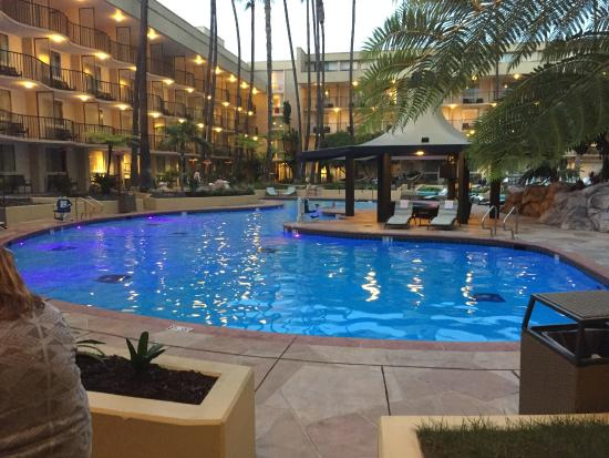 Los Angeles Airport Marriott Heated Pool Hot Tub