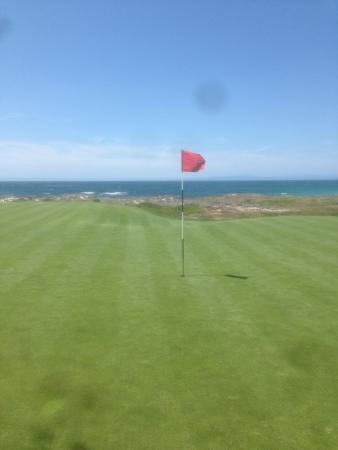 The Links at Spanish Bay: Hole 2 at Spanish Bay with awesome ocean view