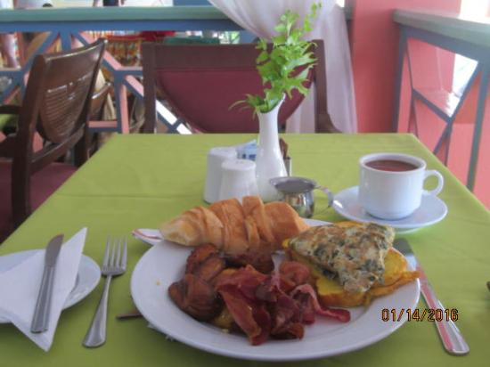 Bay Gardens Hotel: Breakfast