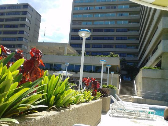 Playa Grande Caribe Hotel & Marina: Agradable, a excepción por la contaminación aledaña al hotel