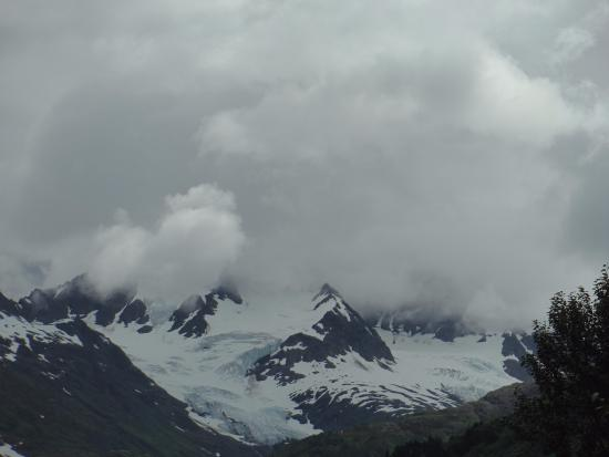 Kenai Fjords Nationalpark, AK: View from the Harding Icefield trail before the bridge