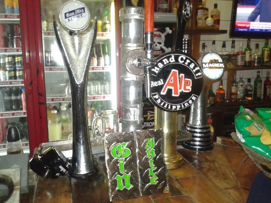 Harleys Hotel & Restaurant: Harleys Tap