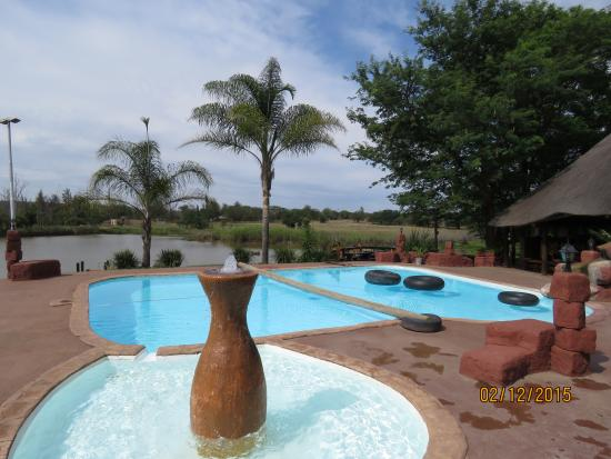 Modimolle (Nylstroom), Sudáfrica: Pool and Restaurant
