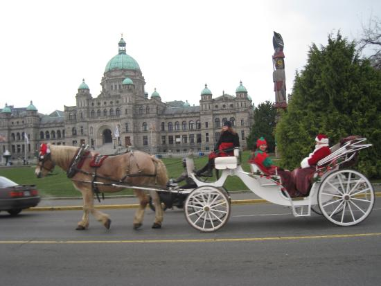 Empress Hotel National Historic Site of Canada: The horse ridden carriages are very well maintained...