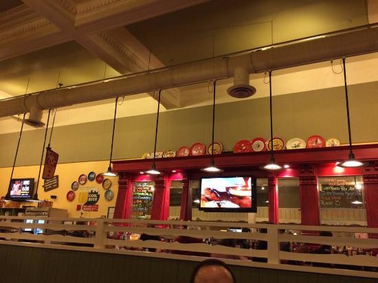 Mary's Pizza Shack: inside