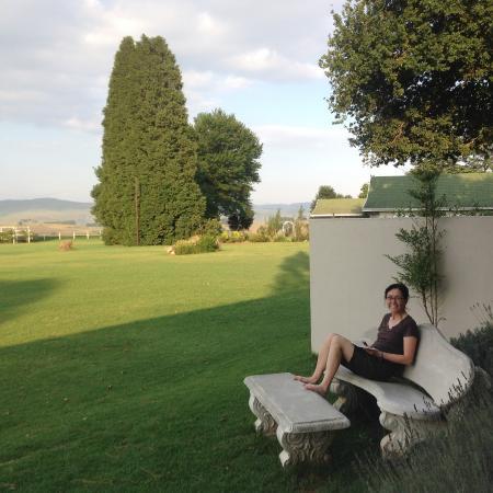 KarMichael Farm Guesthouse: Sitting outside the Livingstone Room