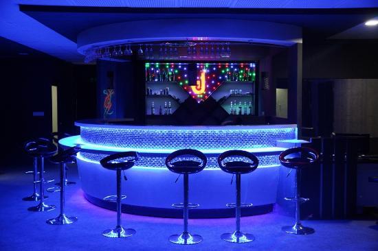 Dynamite Lounge