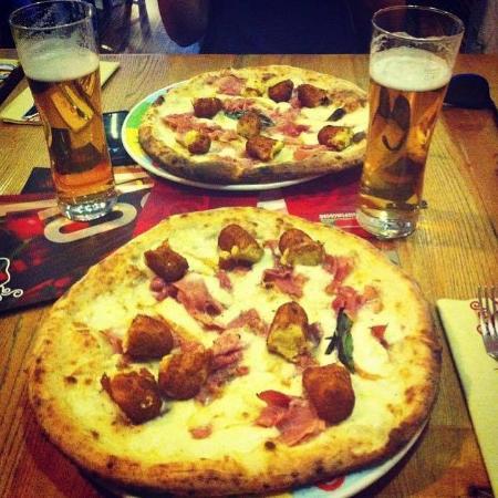 Rossopomodoro: Pizza Cavese!