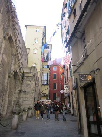 Via ravecca picture of torri di porta soprana genoa - Via di porta ardeatina ...