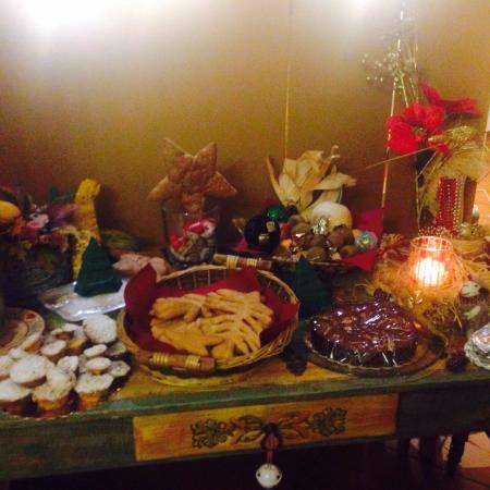 Roncegno Terme, Ιταλία: I dolci e l'albero di Natale