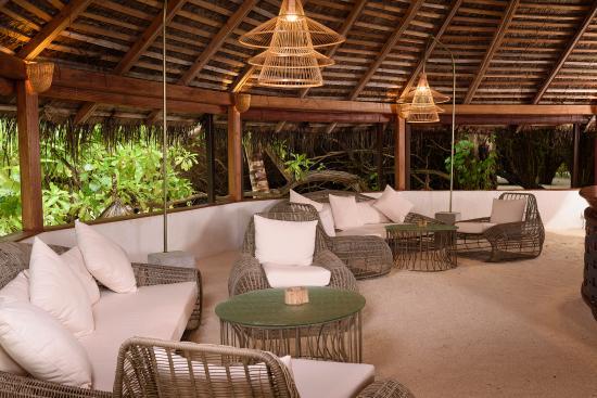 Makunudu Island - Reception