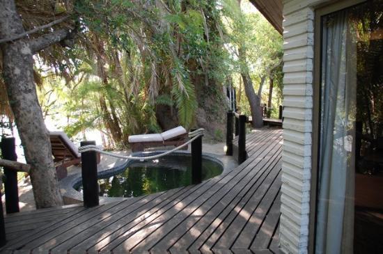 Ntwala Island Lodge : Außen Deck