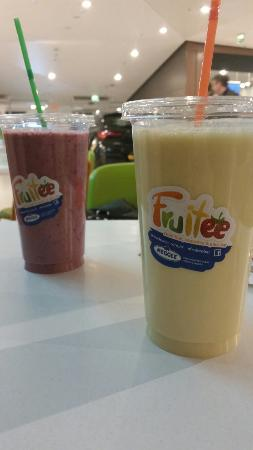 Fruitee: Blackberry power and Tropical boost SUPER smoothies