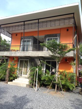 Ban Suan Rim Nam Hotel Resort
