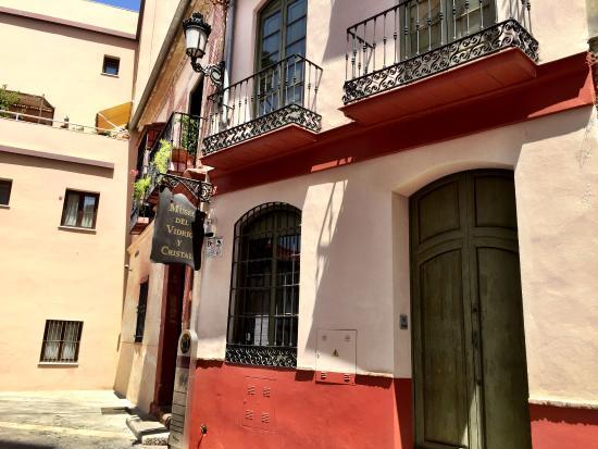photo0.jpg - Picture of Museo del Vidrio y Cristal de ...