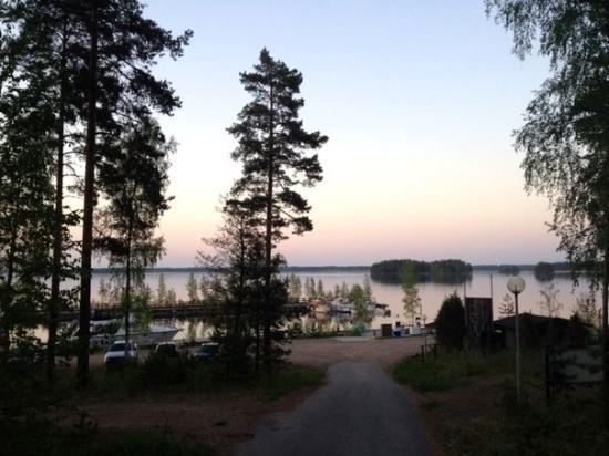 Taipalsaari, ฟินแลนด์: дорожка рядом с отелем