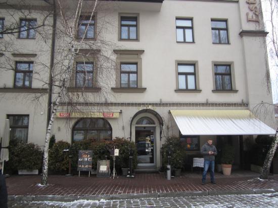 Hotel Ester: The hotel