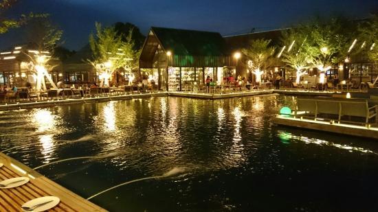 Waterside Resort Restaurant