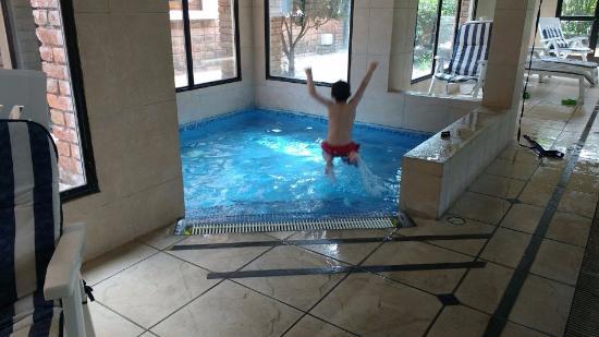 El Mirador Hotel and Spa: pileta climatizada para niños