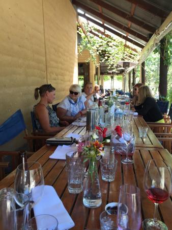 McLaren Vale, Australien: Our recent visit on a beautiful summers day out on the Verandah.