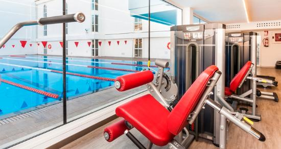 Hoposa Hotel & Apartments Villaconcha: New modern gym