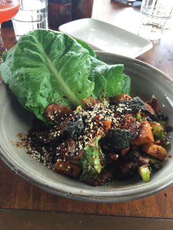 Ewingsdale, Avustralya: Tofu buttercups with asian greens