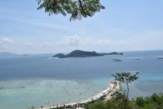 Sari Ringgung Beach