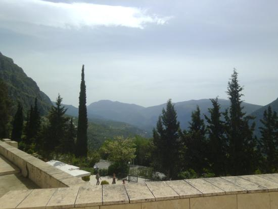 เชิงหินอ่อนใช้ในพิธีกรรม - Picture of Delphi ...