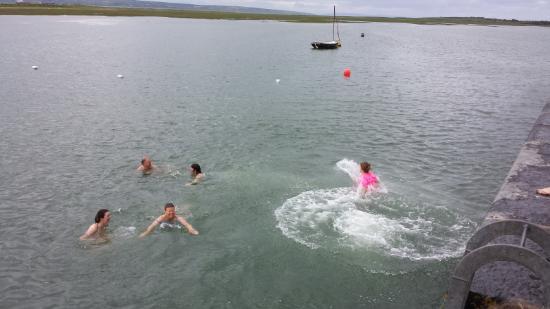 Purecamping: Querrin Pier jump