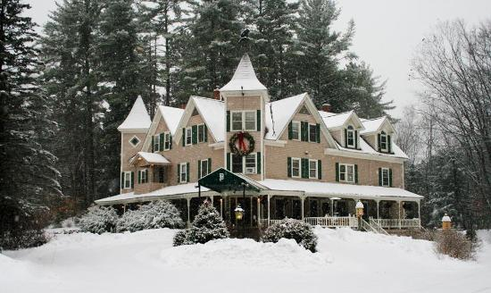 Bernerhof Inn Bed and Breakfast: Winter Mansion
