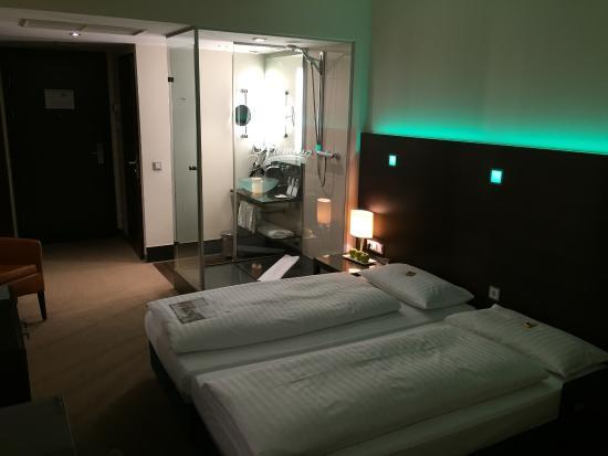 Dusche Bett Bild Von Fleming S Conference Hotel Wien Wien