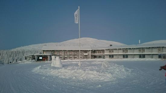 Lapland Hotel Pallas: Außenansicht im Winter