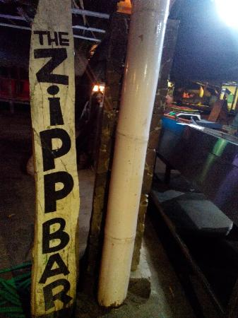 Zipp Bar Restaurant & Bungalows: Sign