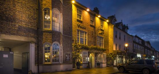 Golden Fleece Hotel