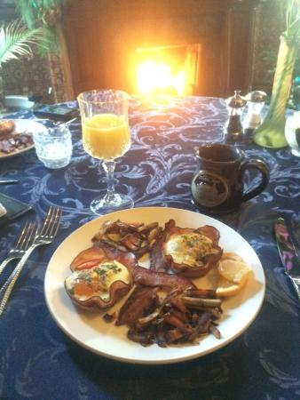 Historic Webster House: Amazing breakfast in a beautiful setting