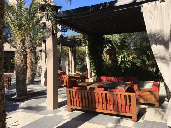 Four Seasons Resort Marrakech: Outdoors dining