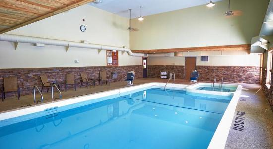 Cadillac, MI: Pool Area