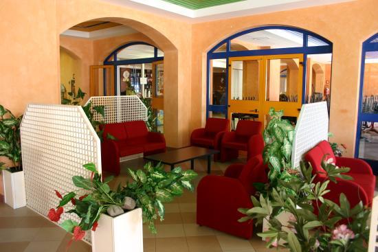 Bella Italia & EFA Village: Bar interno residence