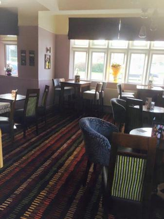 The Riddell Arms: lounge one
