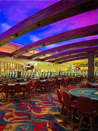The Hotel at Black Oak Casino : Table Games