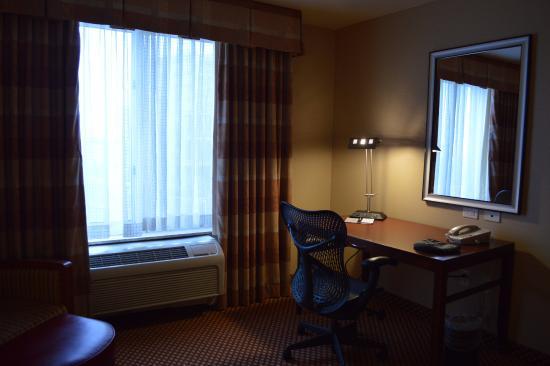 Hilton Garden Inn Albuquerque Uptown: Desk