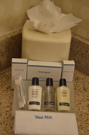 Neutrogena toiletries Picture of Hilton Garden Inn Albuquerque