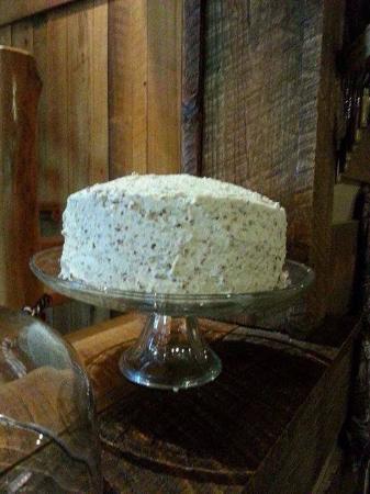 Jesup, GA: Butter pecan cake
