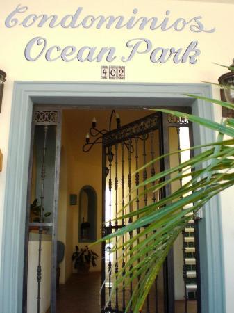 Ocean Park Condominiums: entrance